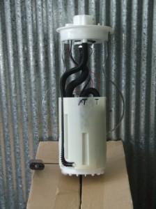 Discovery 2 V8 Fuel Pump Model WFX101060-A